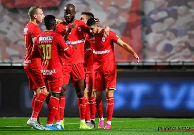 Antwerp heeft deze avond 2-2 gelijkgespeeld op het veld van Racing Genk