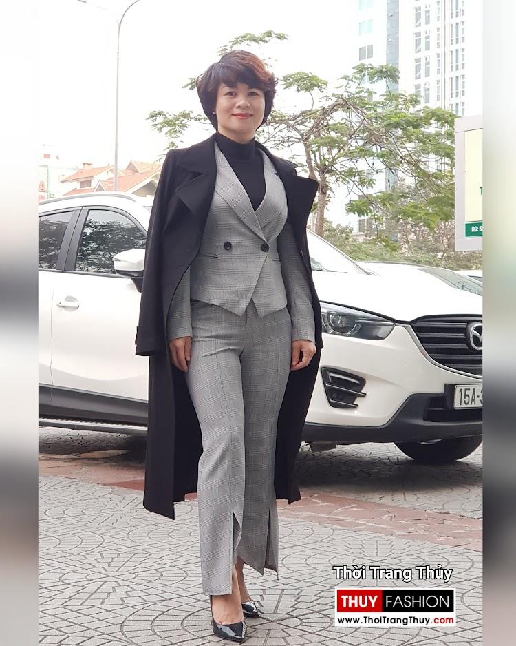 Áo khoác dạ nữ dáng dài màu đen cổ vest rộng V694 thời trang thủy sài gòn