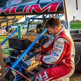 by Stephen  Barker - Sports & Fitness Motorsports ( fixing, sprint racing, turning, midget, dirt track )