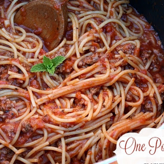Easy One Pot Spaghetti with Meat Sauce.