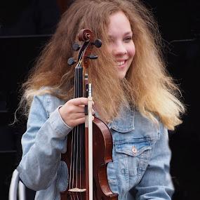 Violinist by Alena Ajaja Koutná - People Musicians & Entertainers
