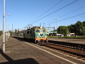 Photo: Jelenia Góra: EU07-349 z pociągiem 6620 relacji Szklarska Poręba Górna - Poznań Główny