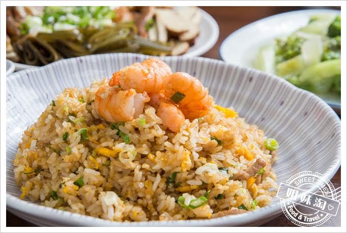 上賓麵食館蝦仁肉絲炒飯