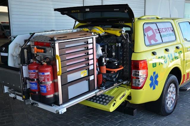 Vehículo de rescate con su dotación
