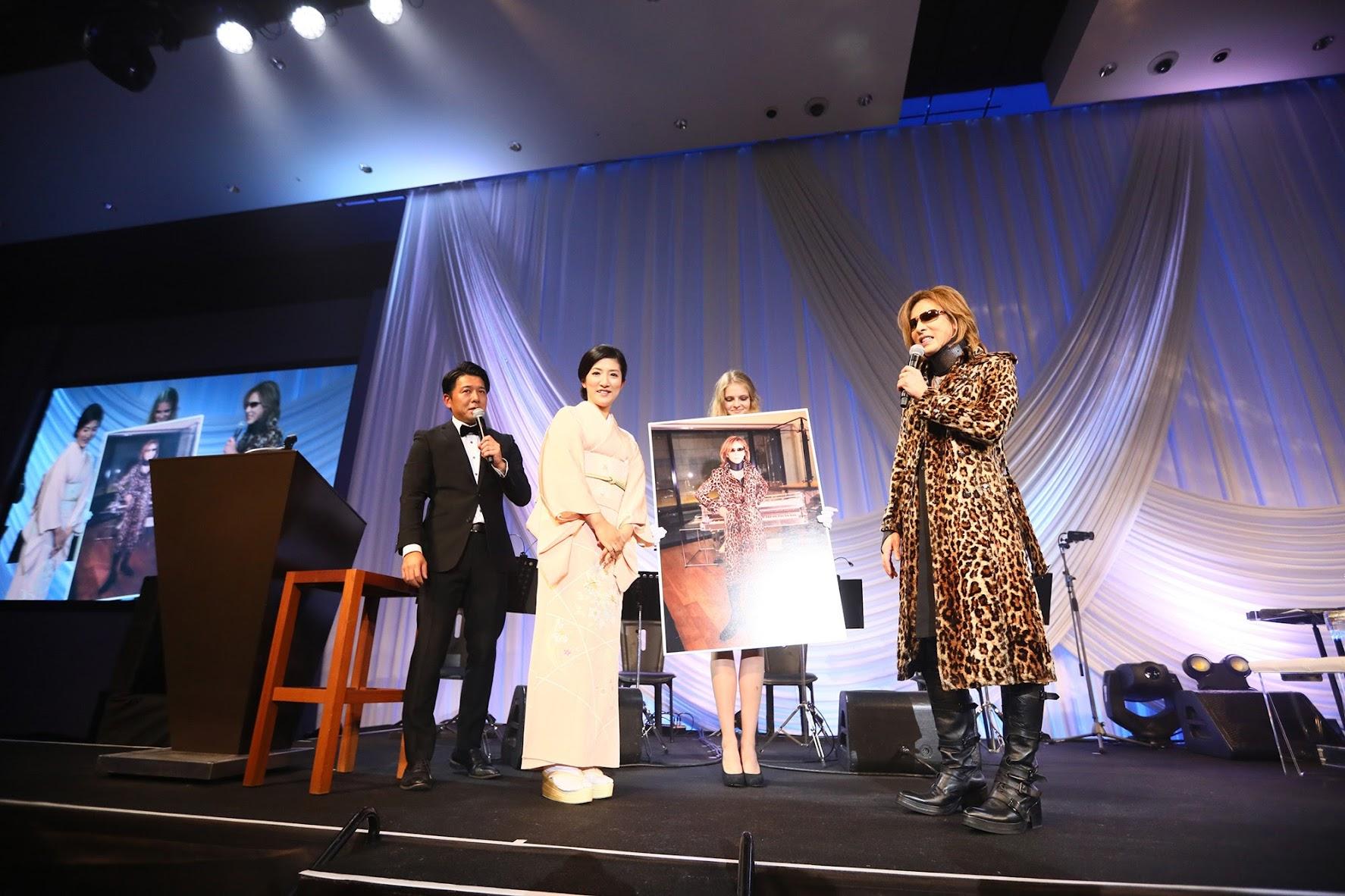 [迷迷音樂]YOSHIKI晚餐秀籌得約1165萬台幣 將捐款協助美國德州風災的災民