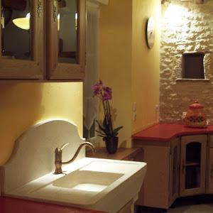 plan de travail de cuisine rénover soi-même en béton ciré de couleur avec kit prêt à l'emploi béton ciré