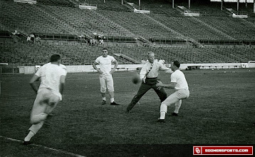Photo: Wilkinson demonstrates during a practice prior to one of Oklahoma's Sugar Bowl appearances at Tulane Stadium.