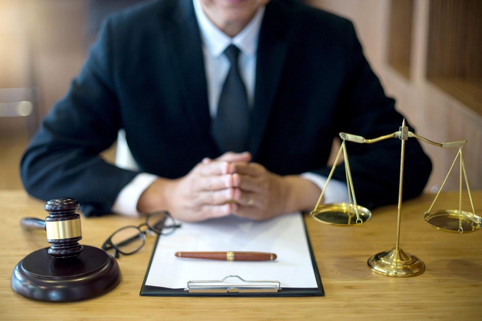 وکیل ثبتی کیست