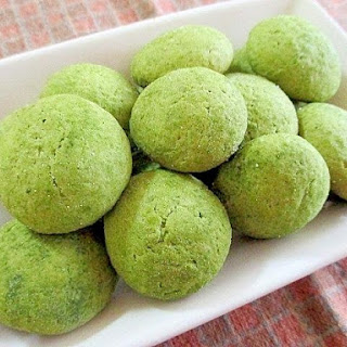 Rich Matcha-Flavored Milk Cookies