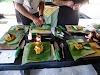 Indonésie. Cours de cuisine de Bali. Apprendre comment encapsuler Tum Ikan.