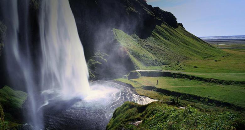 Photo: Водопад Seljalandsfoss, южный берег Исландии