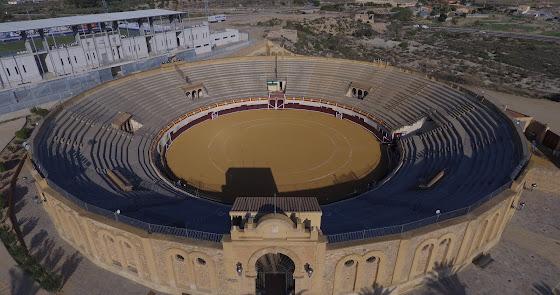 La Plaza de Toros se prepara para la Feria de San Cleofás