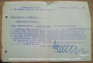 Photo: Materialbeschaffung mit Westgeld in der DDR  Genex  Geschenkpakete (Katalog 1986)  Ein Fertigteilhaus (Katalog 1986)  Ein VW-Transporter (Katalog 1986) Die Geschenkdienst- und Kleinexporte GmbH (kurz Genex; später nur noch Genex Geschenkdienst GmbH) war ein am 20. Dezember 1956 auf Anordnung der DDR-Regierung gegründetes Unternehmen. Es war eine der wichtigsten Devisenquellen der Kommerziellen Koordinierung, einer Abteilung des Ministeriums für Außenhandel der DDR. Hauptsitz war in Ost-Berlin.   Anfangs diente es nur als Geschenkdienst für Kirchengemeinden. Nach dem Bau der Berliner Mauer 1961 wurde das Geschäft aber weiter ausgeweitet, sogar nach Dänemark (über die Jauerfood AG in Kopenhagen-Valby) und in die Schweiz (über die Palatinus GmbH in Zürich). siehe: http://de.wikipedia.org/wiki/Genex