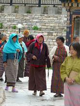 Photo: Pilger an der Stupa