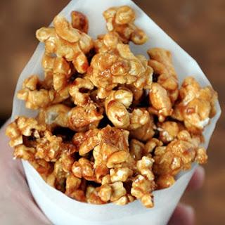 Easy Homemade Caramel Corn.