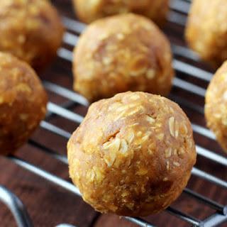 Crunchy Pumpkin Pie Energy Balls.