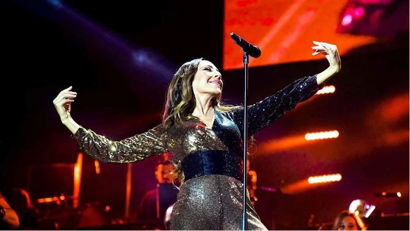 Sergi Regal diseña el vestuario de una de las giras de la cantante Mónica Naranjo.