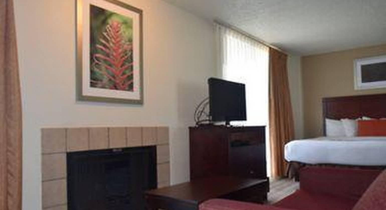 Hawthorn Suites by Wyndham Richardson