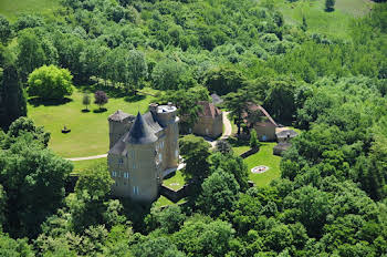 Château 20 pièces 900 m2