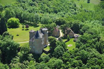 château à Saint-Michel-de-Bannières (46)
