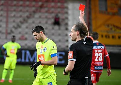 """Vanhaezebrouck over rode kaart Yaremchuk: """"Dat is eigen aan verdedigers die tegen een goede spits staan"""""""