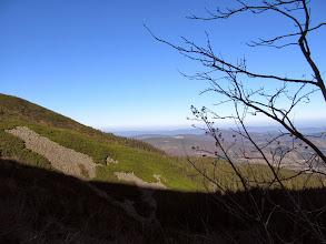 Photo: 09.Powoli odsłaniają się widoki, ale większość trasy do szczytu Babiej Góry pokonujemy w głębokim i mroźnym cieniu.