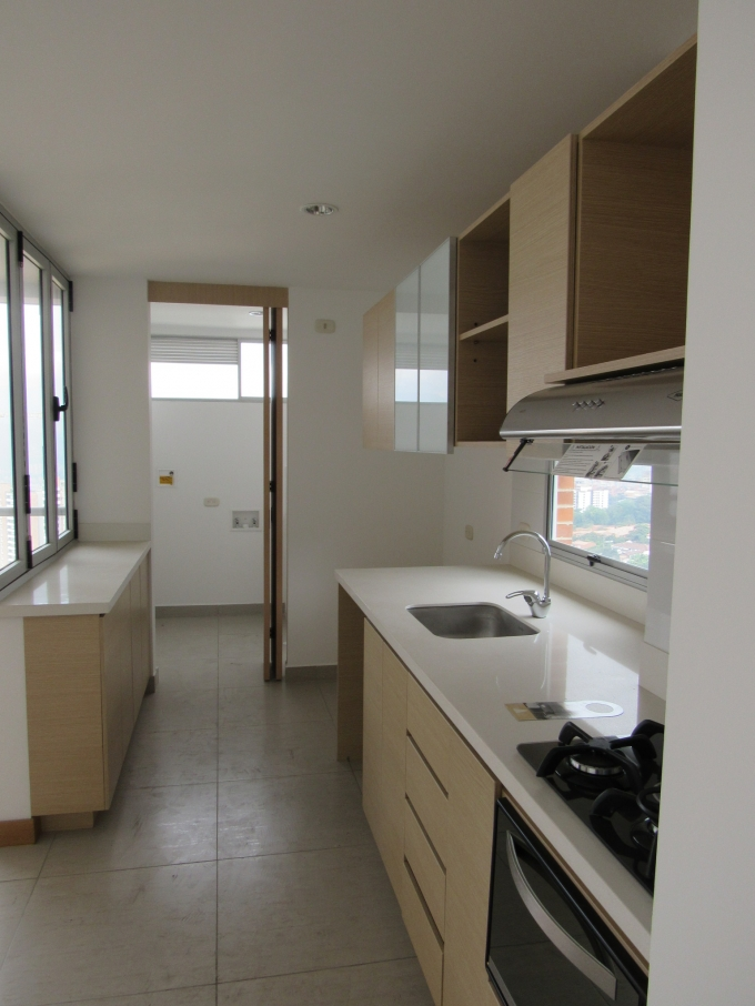 apartamento en venta el esmeraldal 585-3042