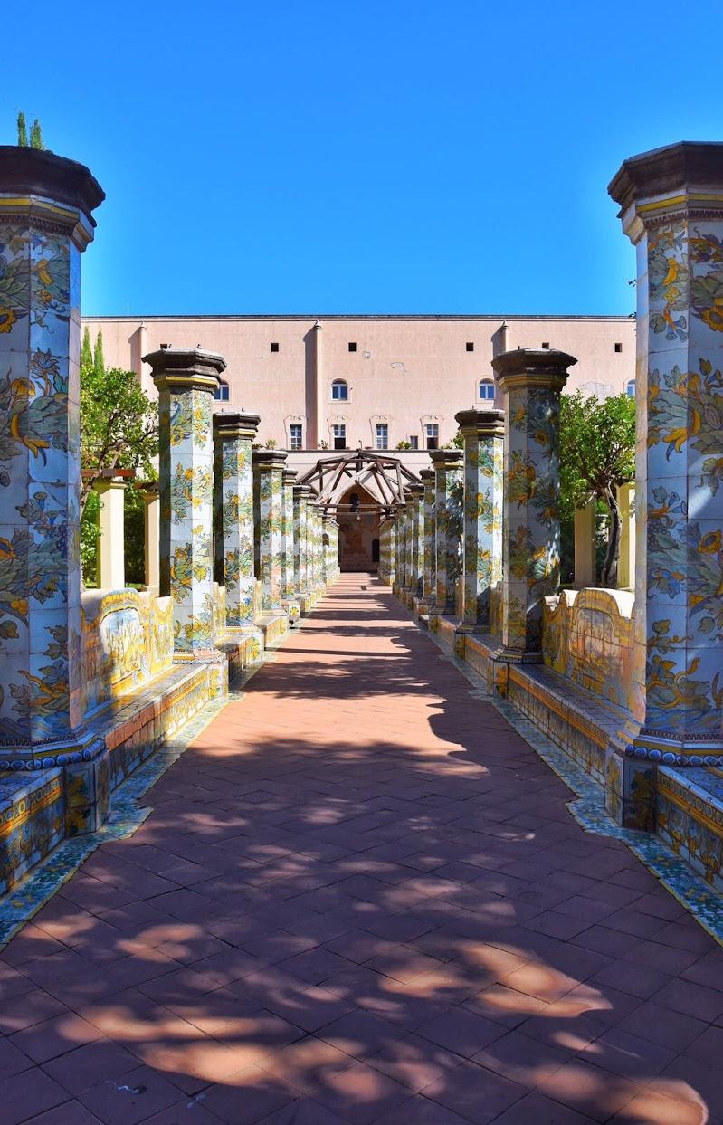 Il corridoio del Chiostro maiolicato di lukiller95