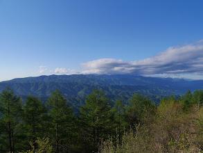 入笠山(左)・南アルプス方面