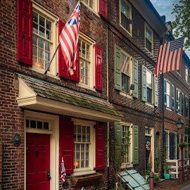 by Tony Cox - City,  Street & Park  Historic Districts