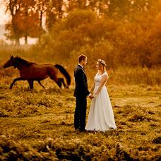 Wedding photographer Wojtek Hnat (wojtekhnat). Photo of 17.02.2018