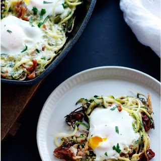 Bacon and Zucchini Eggs in a Nest – Low Carb.