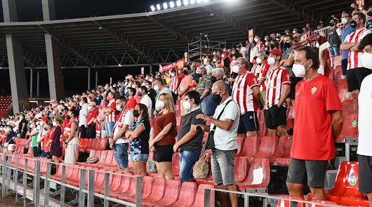 ¿Cuántos abonados han retirado su entrada para el Almería-Málaga?