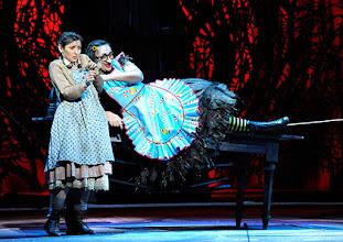 Photo: Wiener Staatsoper: HÄNSEL UND GRETEL. Inszenierung Adrian Noble. Premiere 19.11.2015. Ileana Tonca, Michaela Schuster. Copyright: Barbara Zeininger
