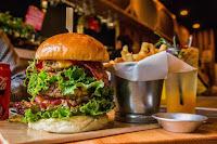 Mr & Ms Burger