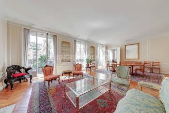 Appartement 6 pièces 218 m2