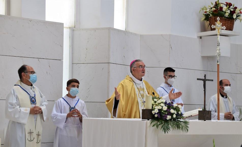 La eucaristía estuvo presidida por el obispo coadjutor.