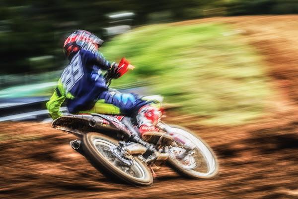 Motocross action shots di Mutley