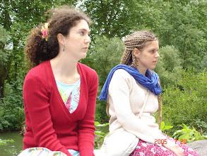 Photo: Theresa e Karoline, nossas anfitriãs.