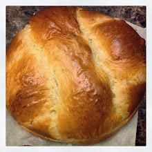 Photo: Easter Portuguese Sweet Bread #intercer #bread #easter #lent #food #sweet #eat #tasty #yummy #eggs #portuguese #crust #nutrition #healthy - via Instagram, http://ift.tt/1meHYlH