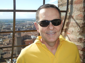 Photo: Me, atop Asinelli