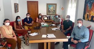 Los responsables durante la reunión.