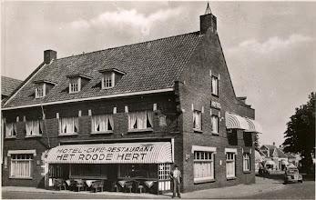 Photo: 1947 Hotel Café Restaurant Het Roode Hert op de Haagsemarkt.