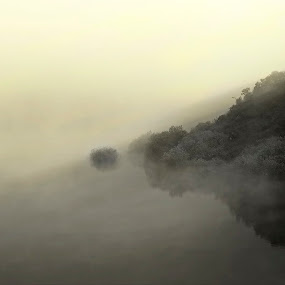 A Illa minima by Miguel García - Landscapes Waterscapes ( clouds, nature, fog, dam, wather, landscape, sun, river )