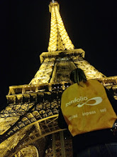 Photo: Nice bag, what's that building?