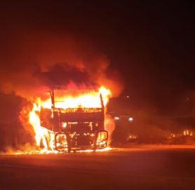 Vragmotorbestuurder het gebrand, geskiet tydens 'n wrede KZN-aanval - SowetanLIVE Sunday World