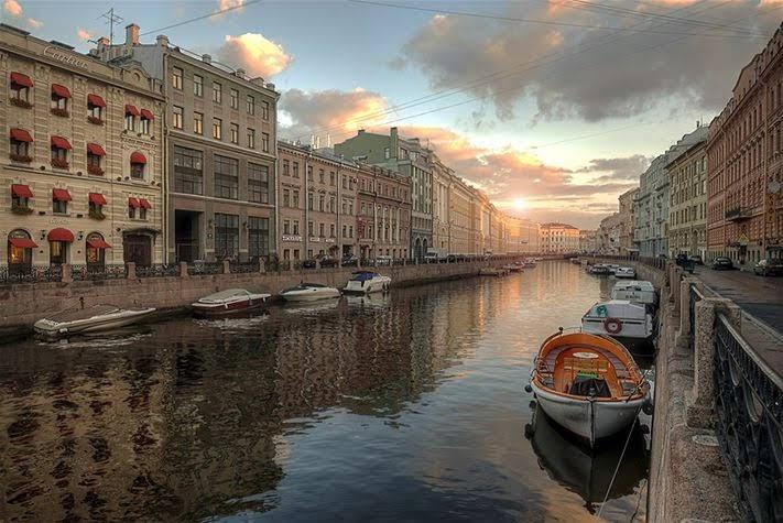 St. Petersburg là thành phố lớn thứ hai và từng là kinh đô của Nga
