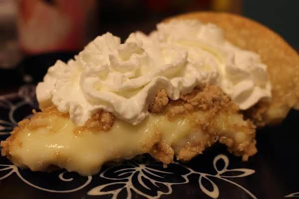 Streusel Cream Pie Recipe