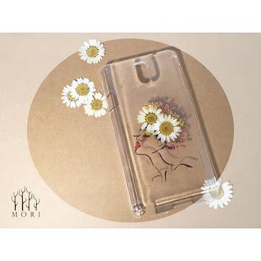 Flower fashion.5  使雛菊化成頭上的帽子 押花再加上人手繪畫 絕對是獨一無二 $120  詳情歡迎查詢whatsapp:65421768  #beauty #mori #手飾 #送 #禮 #girl #個性的  #個性 #diy #頸鏈 #tailormade #hkig #hkshop #hkgirl #hkgirlshop #case #iphone #flower #fashionable #fashion #禮物 #聖誕禮物 #手機殼 #手機配件#phonecases #phonecase #iphonecase #iphonecases #頸鍊