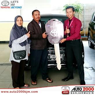 Penyerahan Kendaraan Kepada Bapak M. Saleh - AUTO2000 Banjarmasin - auto2000bjm
